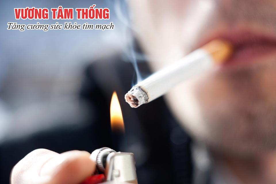 Người bị co thắt mạch vành cần từ bỏ thuốc lá